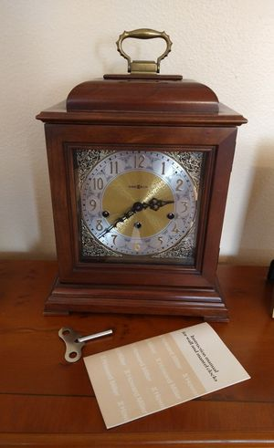 Howard Miller Antique Mantle Clock for Sale in Houston, TX
