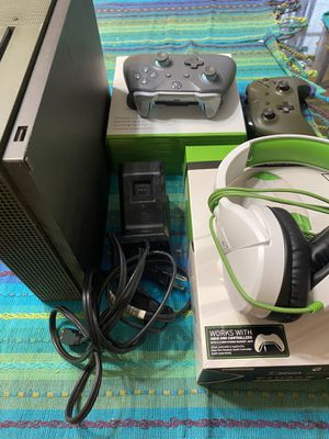 Xbox One Bundle for Sale in Kingston, GA