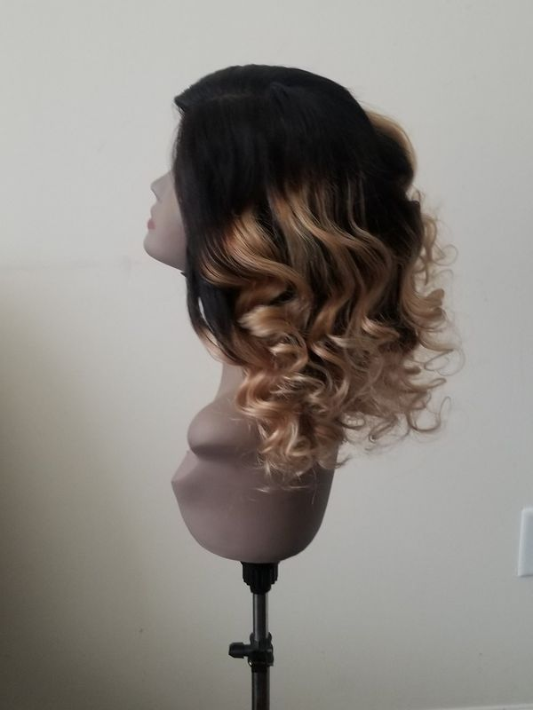 Brazilian human hair wavy hair with closure color Black to Blonde