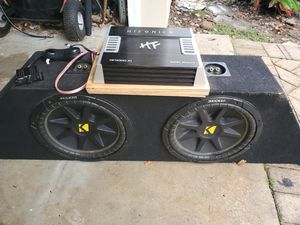 2 10 inch kickers with 1000 watt amp for Sale in Pompano Beach, FL
