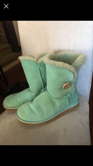 Ugg boots size 8 for Sale in Pittsburgh, PA