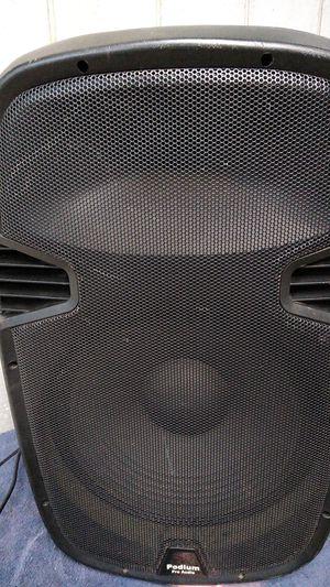 Bocina podium pro Audio en perfecto estado para DJ jalar al 1000 for Sale in Wonder Lake, IL