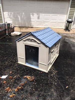 Dog house for Sale in Aurora, IL