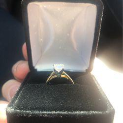 1 Carat Diamond Gold Wedding Ring for Sale in Tacoma,  WA