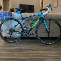 2018 Giant Defy Advanced 3 [Size: M] $Price Is 100% Firm$ for Sale in Reston,  VA