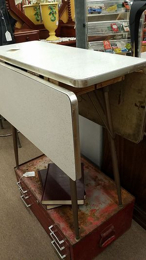 Drop side formica table for Sale in Mesa, AZ