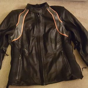 Harley Ladies Jacket for Sale in Powder Springs, GA