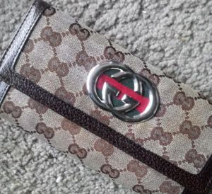 Gucci wallet real for Sale in Dallas, TX