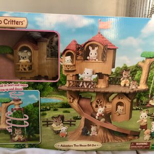 Calico Critters Adventure Tree House Gift Set for Sale in San Diego, CA