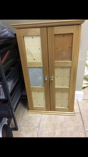 Nice small shelf for Sale in Sterling Heights, MI