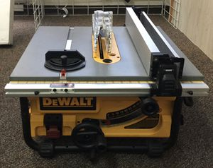 Dewalt Table Saw With Blade Guard And Leval for Sale in Salinas, CA