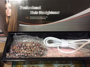Hair straightener with led display for Sale in Hyattsville, MD