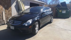 Mercedes R350 station wagon SUV crossover for Sale in Denver, CO