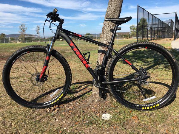Trek Marlin 7 29er mountain bike
