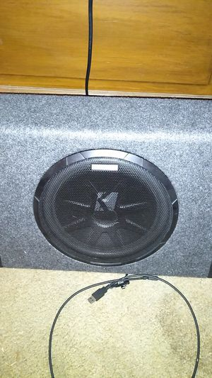 Kicker 250 sub and amp all in one got some wiring that was used my old car for Sale in Washington, PA