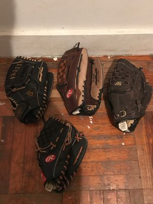 Baseball gloves for Sale in Bronx, NY