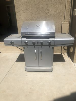 Char-Broil Classic BBQ Grill for Sale in Fresno, CA