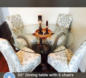 "55"" dining table with 5 boutique chairs for Sale in Houston, TX"
