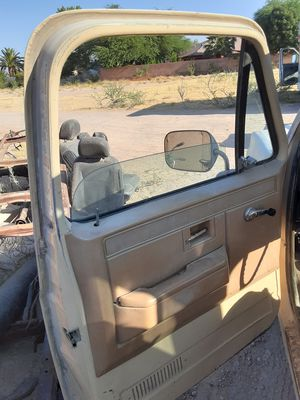 2 DOORS 81-87 CHEVY TRUCK PARTS for Sale in Las Vegas, NV