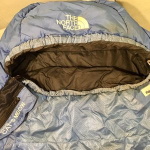 North Face Cat's Meow Sleeping Bag 20F for Sale in Seattle, WA