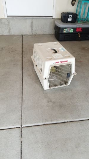 Set or doggy crate for medium dogs for Sale in South Jordan, UT