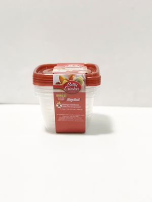 Betty Crocker Easy Seal Plastic Storage Containers (4pieces ) for Sale in Elizabeth, NJ
