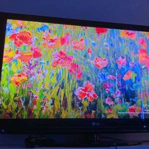 LG Tv for Sale in Wilsonville, OR