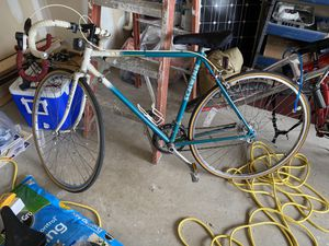 Schwinn traveler road bike 80s 90s 54cm for Sale in Mansfield, TX