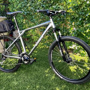 2013 GT Avalanche Mountain Bike-Large for Sale in Newport Beach, CA