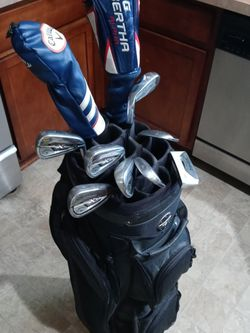 Complete Set Of Very Nice Calloway Golf Clubs for Sale in Indianapolis,  IN