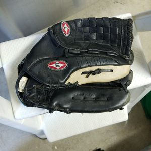 "14"" Easton Softball Glove for Sale in San Diego, CA"