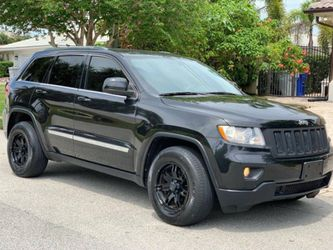 2012 Jeep Grand Cherokee Laredo Drives nice and smooth for Sale in Bellevue,  WA