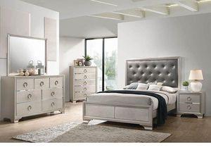 4-piece Queen Bedroom Set Metallic Sterling for Sale in Naples, FL