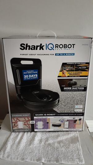 Shark IQ Robot Self Empty Vacuum Brand New (Firm on Price) for Sale in Gardena, CA