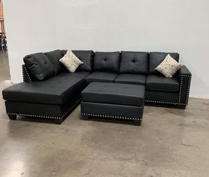 BRAND NEW SECTIONAL WITH OTTOMAN for Sale in Phoenix, AZ