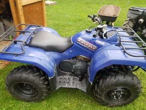 Yamaha Grizzly 350 just like new includes a snow plow for Sale in Elkins, WV