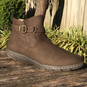 Size 10 Women's Ortholite Brown Ankle Boots for Sale in Bowling Green, KY
