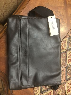 Kenneth Cole messenger bag for Sale in Pittsburg, CA