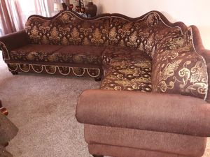 3 piece brown and gold sectional for Sale in Fresno, CA