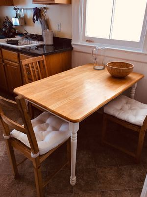 FREE Basic kitchen table and chairs for Sale in San Francisco, CA