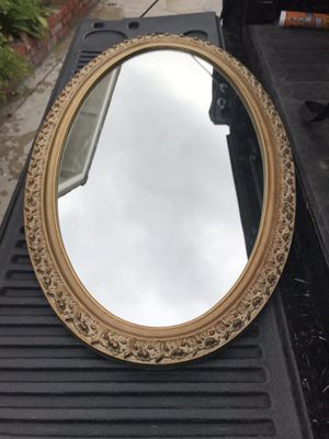 Fancy oval mirror for Sale in Buena Park, CA