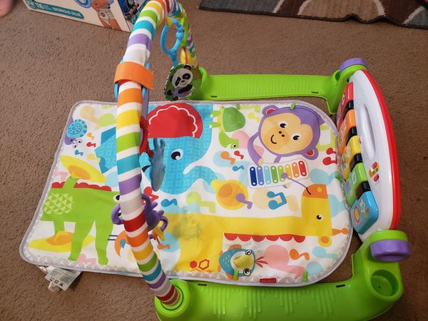 Fisher-Price Deluxe Kick And Play Piano Gym