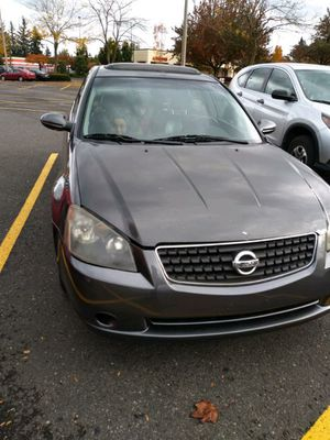 Nissan altima 2005 for Sale in Portland, OR