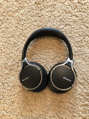 Sony Noise Cancelling Headphones for Sale in Valparaiso, IN