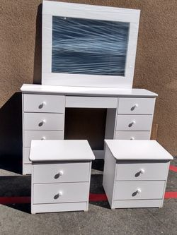 White Vanity Dresser Furniture Set - Ready! for Sale in Westminster,  CA