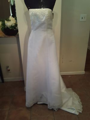 Davids Bridal Wedding Gown/Prom Dress sz 14 for Sale in Roselle, NJ