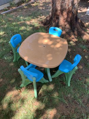 Outdoor kids table for Sale in Arlington, TX