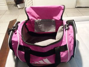Pink duffle bag! for Sale in Miami, FL