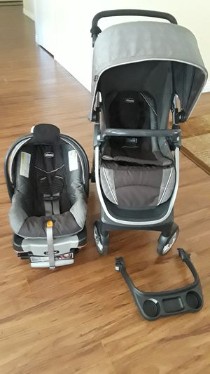 Chicco Bravo Trio Travel System stroller and car seat with base. for Sale in Riverside, CA