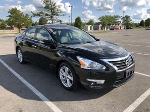 2014 Nissan Altima w/Navigation for Sale in Columbus, OH